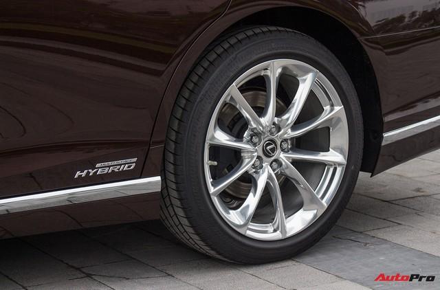 Cạnh tranh Mercedes-Maybach S450, Lexus LS500h 2018 chốt giá từ 7,44 tỷ đồng tại Việt Nam - Ảnh 9.