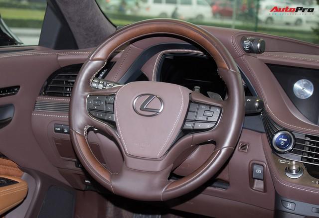 Cạnh tranh Mercedes-Maybach S450, Lexus LS500h 2018 chốt giá từ 7,44 tỷ đồng tại Việt Nam - Ảnh 18.