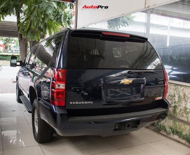 Khủng long Mỹ Chevrolet Suburban 2008 rao bán lại giá hơn 1,8 tỷ đồng - Ảnh 2.