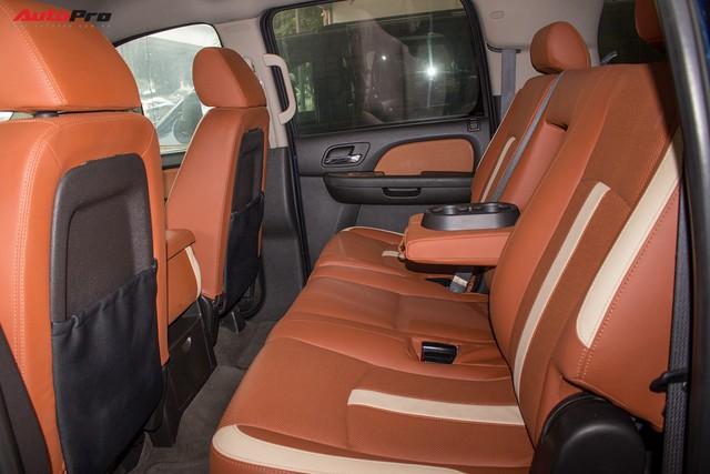 Khủng long Mỹ Chevrolet Suburban 2008 rao bán lại giá hơn 1,8 tỷ đồng - Ảnh 16.