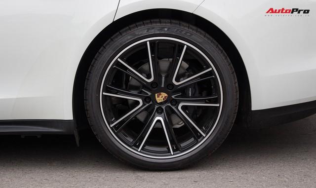 Porsche Việt Nam kỉ niệm 10 năm thành lập và bàn giao 10 xe Panamera đặc biệt - Ảnh 3.