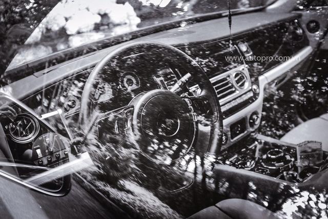 Hà Nội: Rolls-Royce Wraith hoá thân thành xe dâu - Ảnh 2.