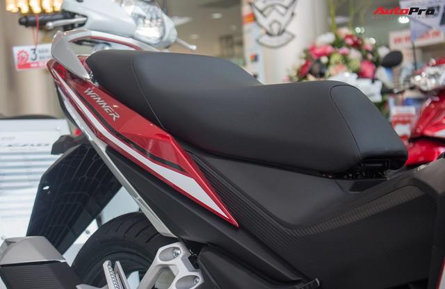 Ảnh thực tế Honda WINNER 150 phiên bản tem mới tại đại lý - Ảnh 10.