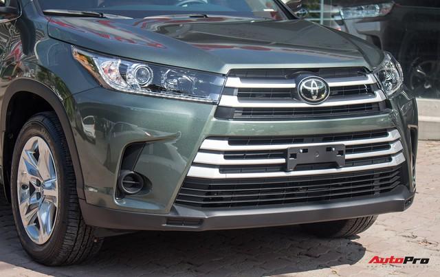 Toyota Highlander LE 2017 màu độc, lên đồ bản Limited giá 3 tỷ tại Việt Nam - Ảnh 9.