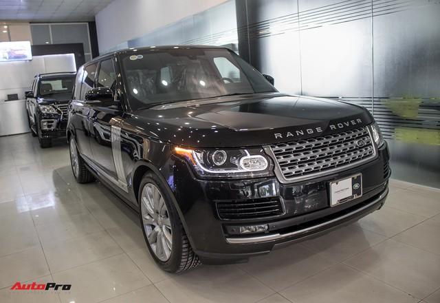 Rẻ gần một nửa xe mới, Range Rover Autobiography LWB lăn bánh 12.000 km bán lại giá chỉ 6,2 tỷ đồng - Ảnh 1.