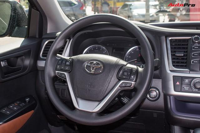 Toyota Highlander LE 2017 màu độc, lên đồ bản Limited giá 3 tỷ tại Việt Nam - Ảnh 14.