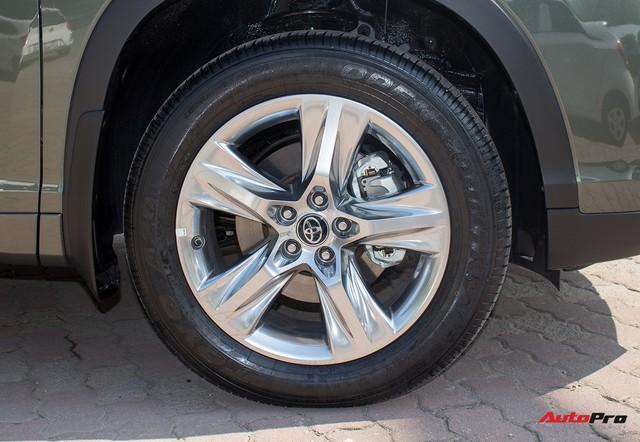 Toyota Highlander LE 2017 màu độc, lên đồ bản Limited giá 3 tỷ tại Việt Nam - Ảnh 4.