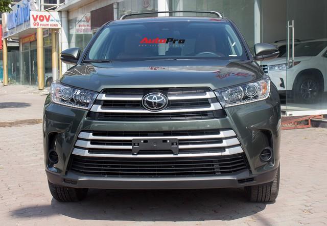 Toyota Highlander LE 2017 màu độc, lên đồ bản Limited giá 3 tỷ tại Việt Nam - Ảnh 2.