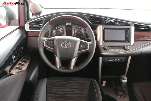 Toyota Innova vừa mới về Việt Nam bị cắt nhiều trang bị - Ảnh 13.