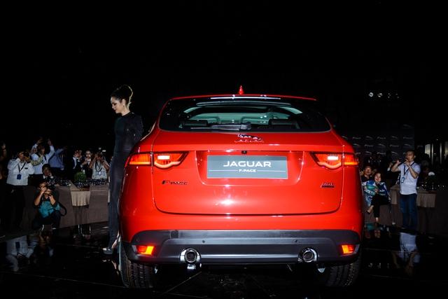 Đối thủ Porsche Macan, Jaguar F-Pace, chính thức ra mắt tại Việt Nam - Ảnh 5.