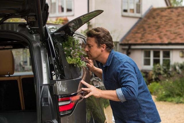 Land Rover Discovery phiên bản đặc biệt dành cho Master Chef - Ảnh 10.