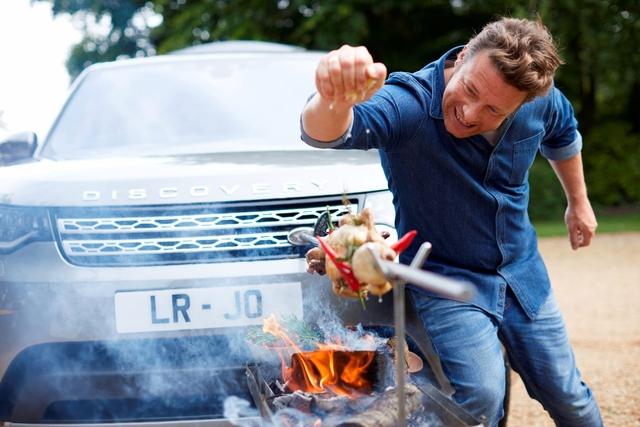 Land Rover Discovery phiên bản đặc biệt dành cho Master Chef - Ảnh 5.