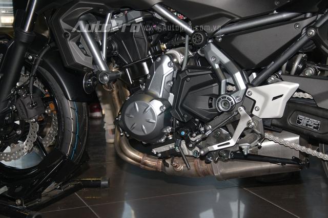 Kawasaki Z650 2017 chốt giá 218 triệu Đồng có gì hot? - Ảnh 4.
