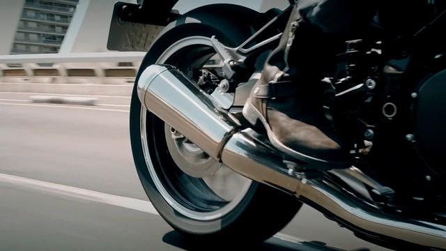 Kawasaki tiếp tục hé lộ chi tiết về xe hoài cổ Z900RS - Ảnh 4.