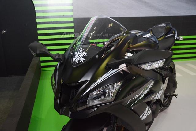 Chiêm ngưỡng vẻ đẹp sexy của siêu mô tô bản giới hạn Kawasaki Ninja ZX-10RR 2017 - Ảnh 7.