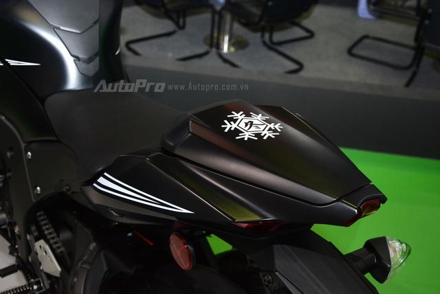 Chiêm ngưỡng vẻ đẹp sexy của siêu mô tô bản giới hạn Kawasaki Ninja ZX-10RR 2017 - Ảnh 12.
