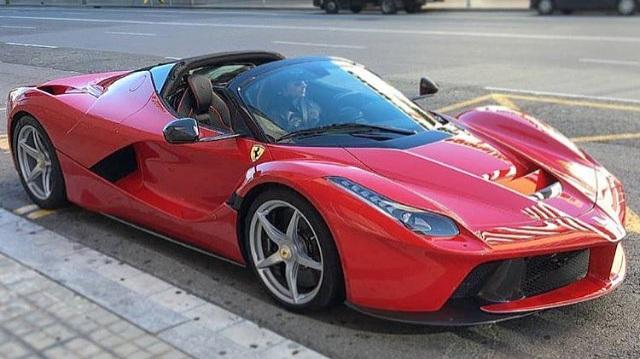 """Triệu phú dầu lửa cũng phải """"khóc thét"""" với giá của chiếc siêu xe Ferrari LaFerrari Aperta này"""