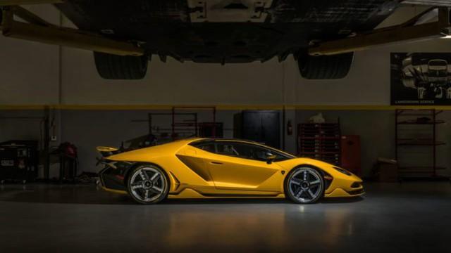 Cận cảnh siêu phẩm Lamborghini Centenario màu vàng rực tại Mỹ - Ảnh 10.