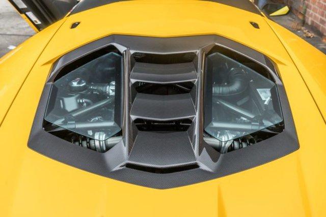 Cận cảnh siêu phẩm Lamborghini Centenario màu vàng rực tại Mỹ - Ảnh 6.