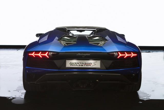 Lamborghini trình làng Aventador S mui trần bản giới hạn tại Nhật Bản - Ảnh 7.