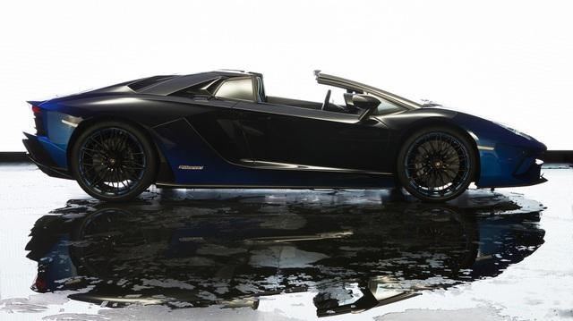 Lamborghini trình làng Aventador S mui trần bản giới hạn tại Nhật Bản