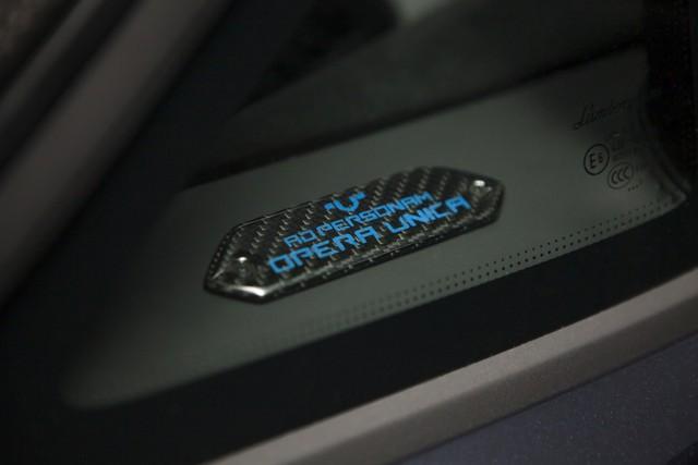Lamborghini trình làng Aventador S mui trần bản giới hạn tại Nhật Bản - Ảnh 6.