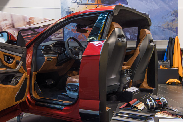 Kỳ công chọn cấu hình cho chiếc Lamborghini Urus đầu tiên về Việt Nam - Ảnh 4.