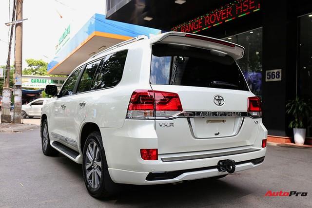 SUV hầm hố Toyota Land Cruiser VXR đi 10.000 km rao bán giá 4,8 tỷ đồng - Ảnh 19.