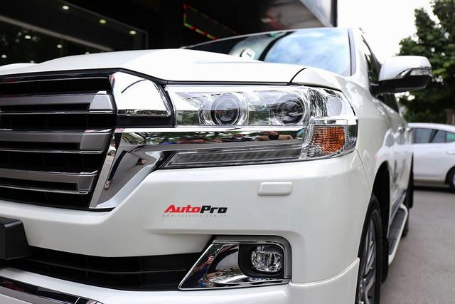 SUV hầm hố Toyota Land Cruiser VXR đi 10.000 km rao bán giá 4,8 tỷ đồng - Ảnh 6.