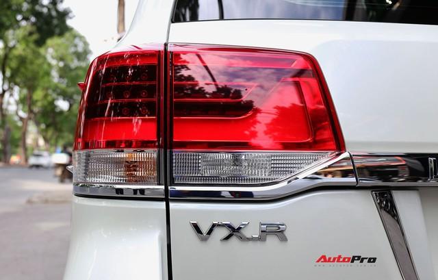 SUV hầm hố Toyota Land Cruiser VXR đi 10.000 km rao bán giá 4,8 tỷ đồng - Ảnh 9.