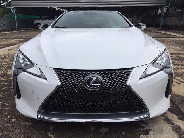 Lexus LC 500h 2018 đầu tiên cập bến Lào, đại gia Việt phát hờn - Ảnh 1.