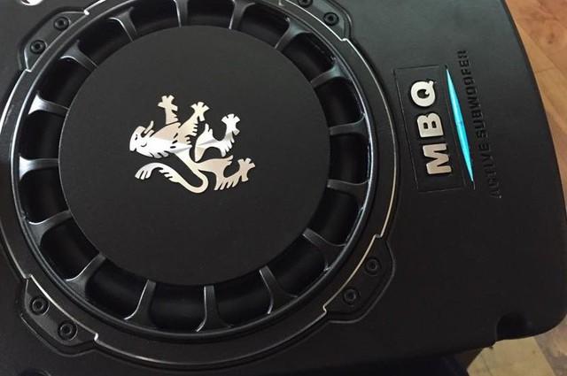 Nâng cấp nhẹ âm thanh xe hơi bằng loa siêu trầm điện - Ảnh 2.
