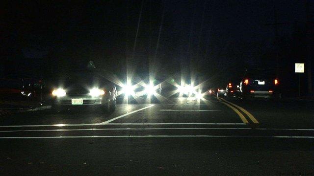 Phần lớn SUV cỡ trung đời mới đều có hệ thống đèn pha chiếu sáng kém - Ảnh 3.