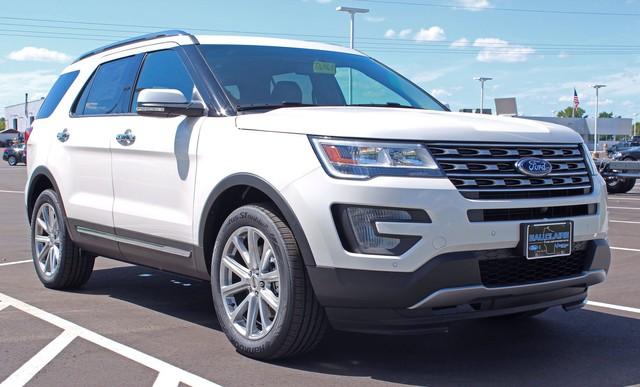 Cùng tầm tiền, chọn Toyota Land Cruiser Prado hay Ford Explorer? - Ảnh 2.