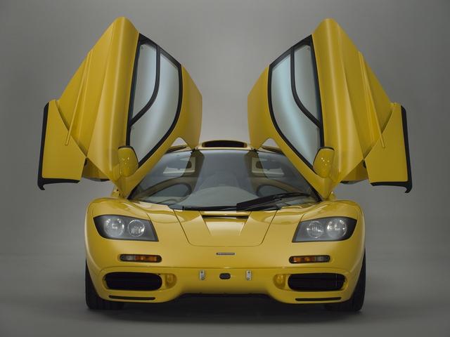 McLaren F1 siêu hiếm, khoang động cơ dát vàng đang được rao bán - Ảnh 1.