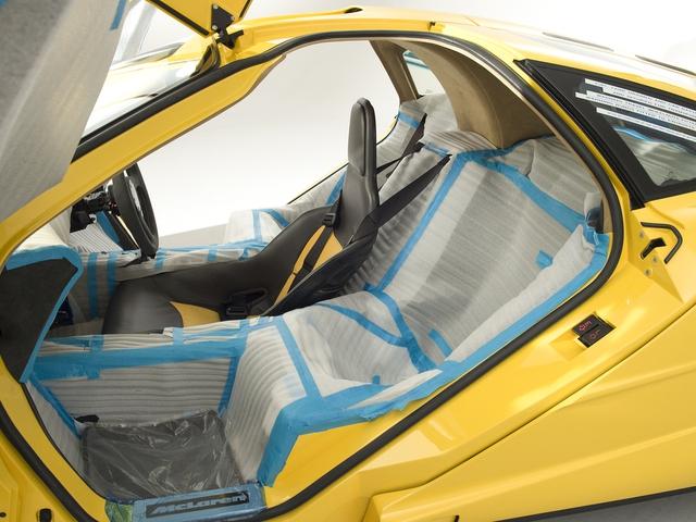 McLaren F1 siêu hiếm, khoang động cơ dát vàng đang được rao bán - Ảnh 3.