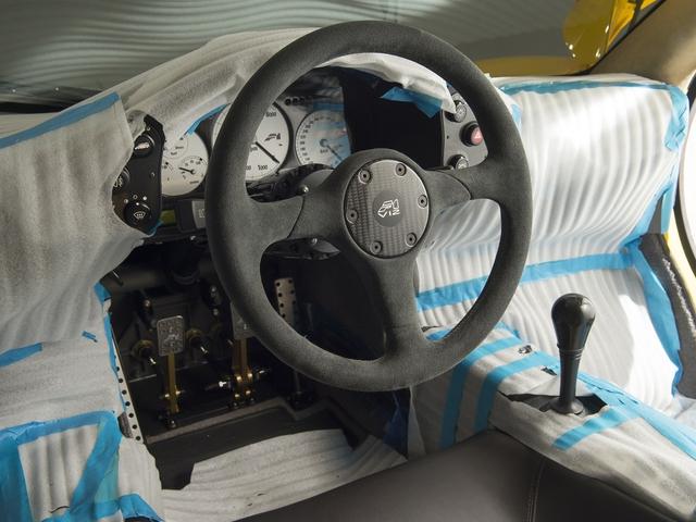 McLaren F1 siêu hiếm, khoang động cơ dát vàng đang được rao bán - Ảnh 16.