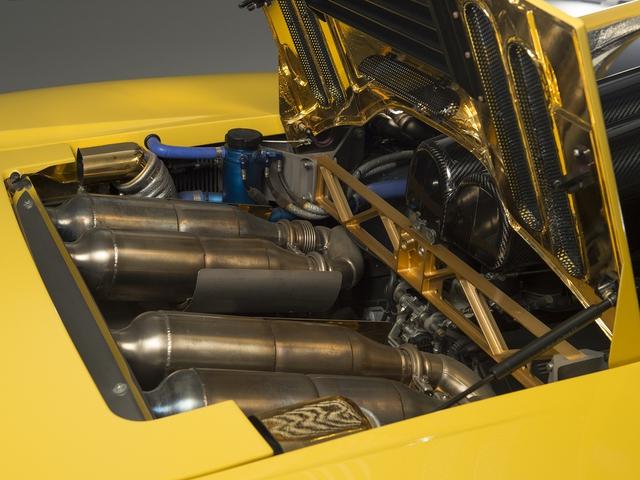 McLaren F1 siêu hiếm, khoang động cơ dát vàng đang được rao bán - Ảnh 18.
