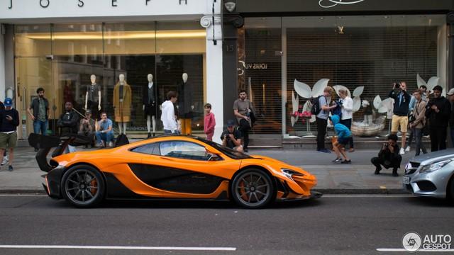 1 trong số 6 chiếc McLaren P1 LM được sản xuất trên thế giới bị bắt gặp tại London - Ảnh 2.