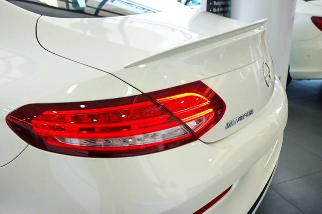 Mercedes-AMG C43 4Matic Coupe đầu tiên về Việt Nam, giá từ 4,2 tỷ Đồng - Ảnh 7.