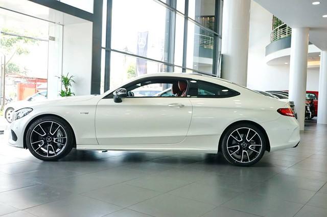 Mercedes-AMG C43 4Matic Coupe đầu tiên về Việt Nam, giá từ 4,2 tỷ Đồng - Ảnh 3.