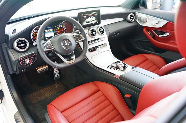 Mercedes-AMG C43 4Matic Coupe đầu tiên về Việt Nam, giá từ 4,2 tỷ Đồng - Ảnh 10.