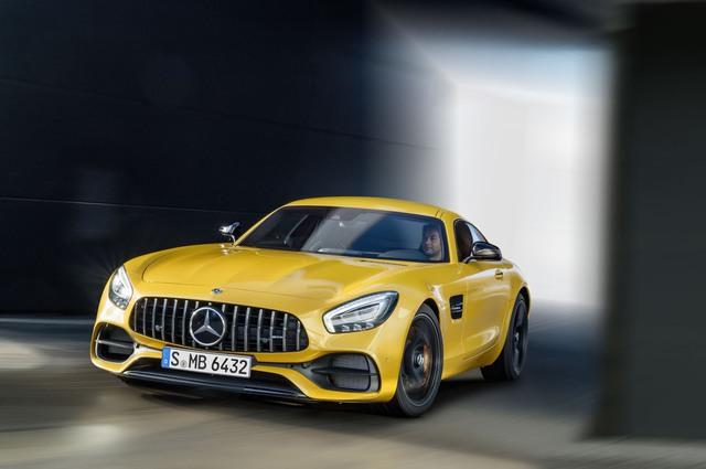Xe thể thao hạng sang Mercedes-AMG GT C Coupe 2018 chính thức ra mắt - Ảnh 1.