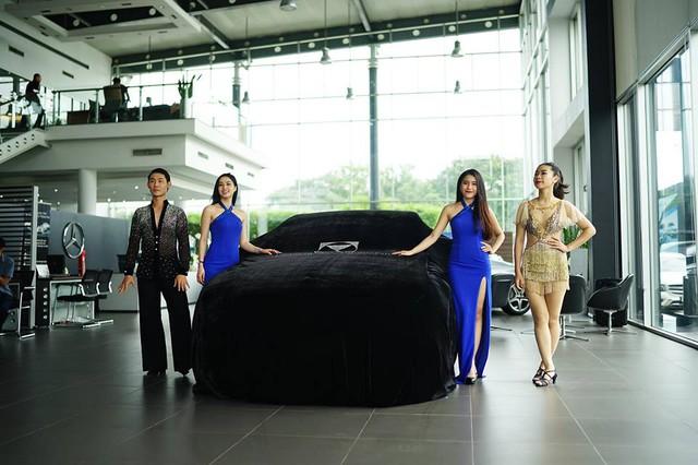 Vợ chồng nghệ sĩ hài Thu Trang và Tiến Luật tậu Mercedes-Benz E300 AMG 2017 2,8 tỷ Đồng - Ảnh 4.