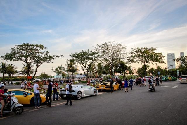 Cường Đô-la cùng Minh Nhựa hội ngộ siêu xe trên phố Sài thành - Ảnh 3.