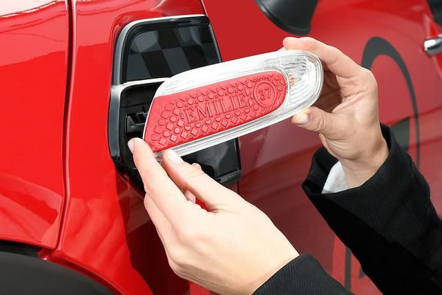 MINI cho cá nhân hóa xe theo kiểu Rolls-Royce - Ảnh 1.