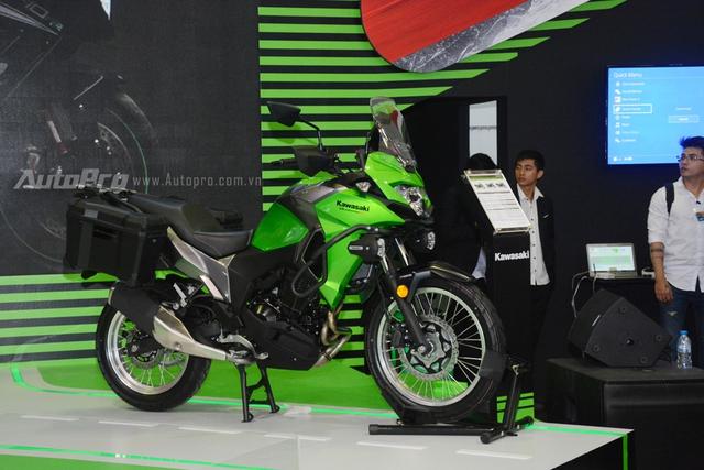 TRỰC TIẾP: Siêu mô tô Kawasaki Ninja H2 Carbon lần đầu trình làng triển lãm VMCS 2017 - Ảnh 3.