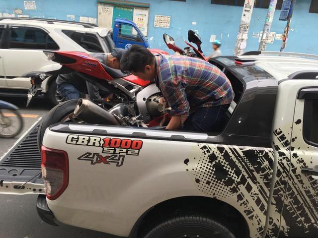 Biker Bình Phước tậu siêu mô tô hàng hiếm Honda CBR1000RR SP2 2017 đầu tiên Việt Nam - Ảnh 2.