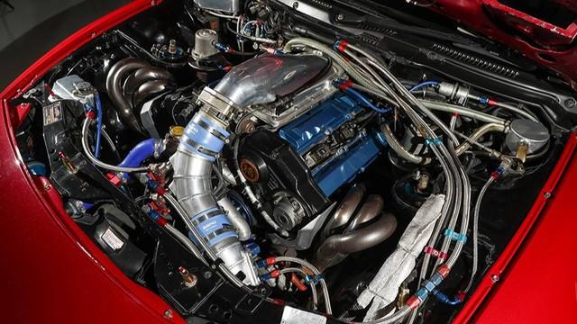 Nissan 300ZX nhanh hơn siêu xe Bugatti Veyron đang được đấu giá - Ảnh 1.