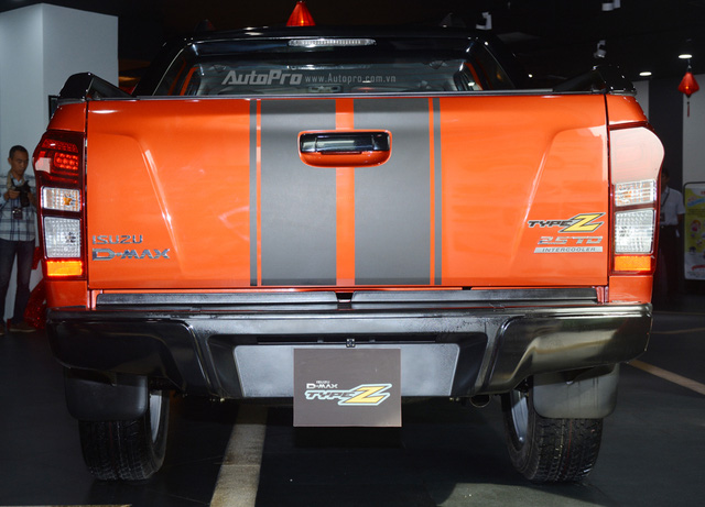 Isuzu D-Max Type Z 2017, đối thủ của Ford Ranger, có gì hot? - Ảnh 4.